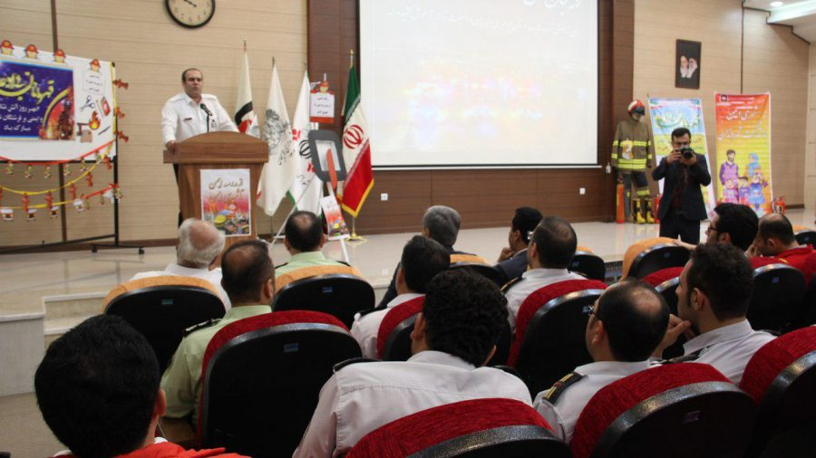 روز آتش نشانی و ایمنی ویژه برنامههای این روز در لاهیجان 8 - حضور شهردار و اعضای شورای شهر لاهیجان با لباس آتشنشانی در ویژه برنامههای این روز + تصاویر