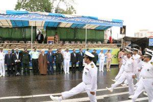 مراسم رژه نیروهای مسلح با حضور استاندار گیلان در رشت برگزار شد + گزارش تصویری