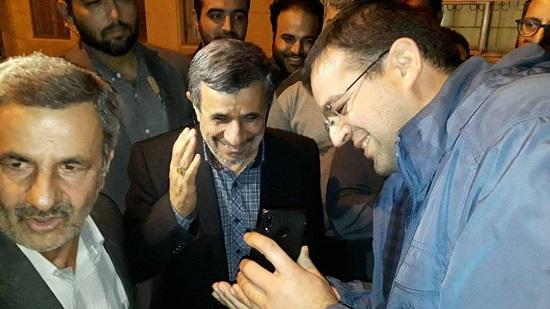 تولد احمدینژاد در جمع هوادارانش 4 - جشن تولد احمدینژاد در جمع هوادارانش +عکس