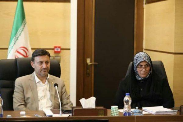 photo 2019 11 10 07 40 00 600x400 - حقوق و مزایای کارگران شرکت های پیمانکاری طرف قرارداد شهرداری رشت به روز می شود