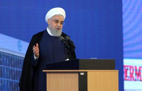 حجتالاسلام حسن روحانی 467x300 - ملت ایران حاضر به تسلیم در برابر دشمنان نیستند/ بعضی میخواهند تحریم را نبینند