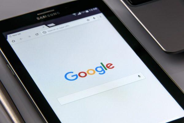 گوگل 600x400 - آموزش سئو با مستر آموز