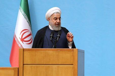 حجتالاسلام حسن روحانی 453x300 - نه ویروس کرونا و نه ویروس آمریکا نمیتواند مسیر پیشرفت کشور را متوقف کند/ نمیگذاریم لبخندی بر صورت مستبدان کاخ سفید بنشیند