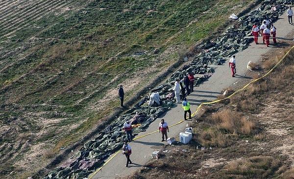سقوط هواپیمای اوکراینی - پیکر ۱۱۰ جان باخته سقوط هواپیمای اوکراینی تحویل خانوادههایشان شد/خانواده ۱۰ قربانی به پزشکی قانونی مراجعه نکردهاند