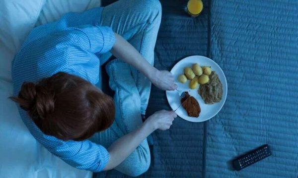 شام غذا 600x360 - چند ساعت بعد از شام می توانیم بخوابیم؟