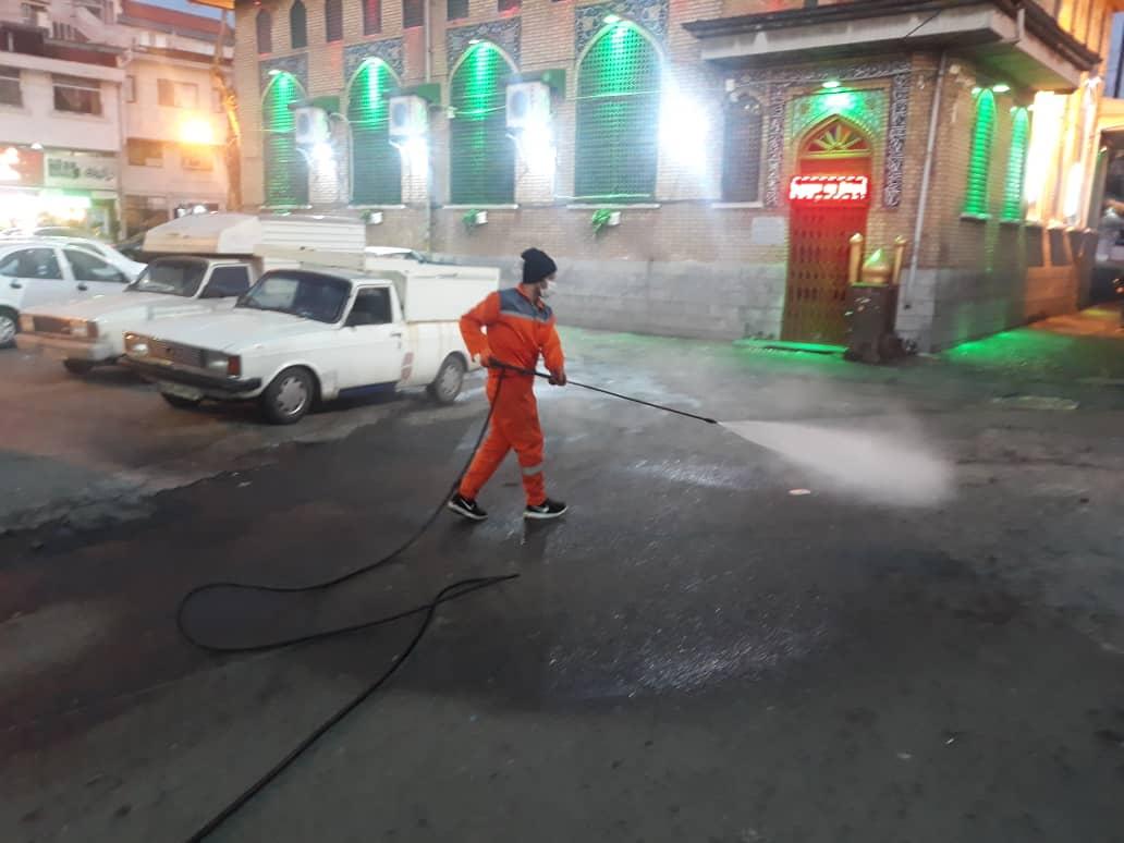 ضدعفونی کردن روزانه اماکن عمومی شهر لاهیجان 14 - گزارش تصویری ضدعفونی کردن روزانه اماکن عمومی شهر لاهیجان
