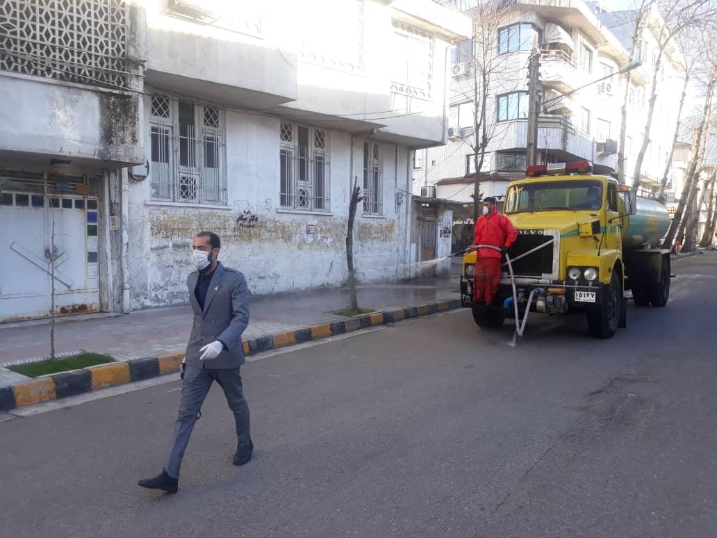 ضدعفونی کردن روزانه اماکن عمومی شهر لاهیجان 7 - گزارش تصویری ضدعفونی کردن روزانه اماکن عمومی شهر لاهیجان