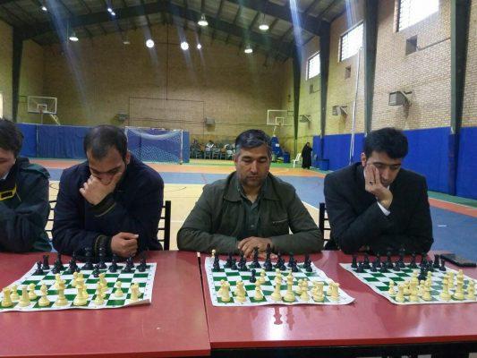مسابقات شطرنج سیمولتانه جام فجر در دانشگاه آزاد لاهیجان 3 533x400 - برگزاری مسابقات شطرنج سیمولتانه جام فجر در دانشگاه آزاد لاهیجان
