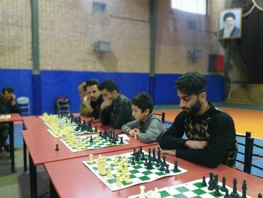 مسابقات شطرنج سیمولتانه جام فجر در دانشگاه آزاد لاهیجان 4 533x400 - برگزاری مسابقات شطرنج سیمولتانه جام فجر در دانشگاه آزاد لاهیجان
