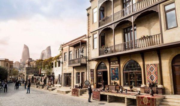 جاذبه های سفر به شهر باکو 4 600x353 - برترین جاذبه هایی که در سفر به شهر باکو باید دیدن کرد