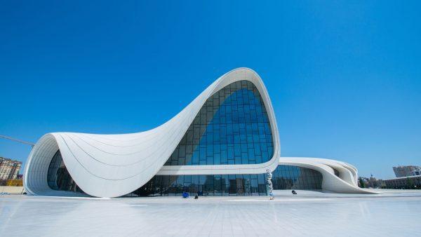 جاذبه های سفر به شهر باکو 5 600x338 - برترین جاذبه هایی که در سفر به شهر باکو باید دیدن کرد