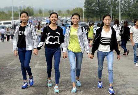 دخترانچینی - در این کشور میتوانید شوهر کرایه کنید!