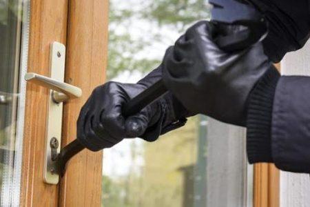 سرقت 450x300 - ۴۰۰۰ سرقت در ۲ ماه/دزدی از ۷۰۰ منزل در مناطق مرفه نشین
