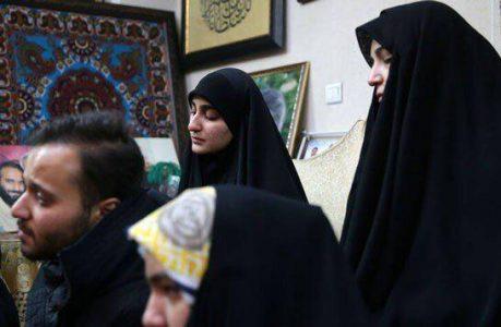 دختر قاسم سلیمانی 459x300 - ازدواج دختر سردار سلیمانی با فرزند مقام ارشد حزب الله لبنان+تصویر