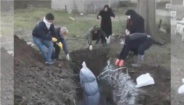 دفن کرونا 600x343 - مرگ ۱۰۳۶۴ ایرانی بر اثر کرونا/ مجموع مبتلایان به بیش از ۲۲۰ هزار نفر رسید
