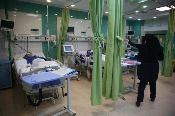 بستری کرونایی ها در بیمارستان 600x400 - علائم کرونایی که شما را روانه بیمارستان میکند