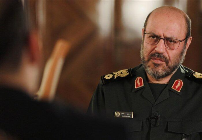 حسین دهقان 700x487 - دهقان علیه روسای جمهوری سابق و فعلی/ سیاست خارجی ایران فقط آمریکا و سازمان ملل را می بیند!