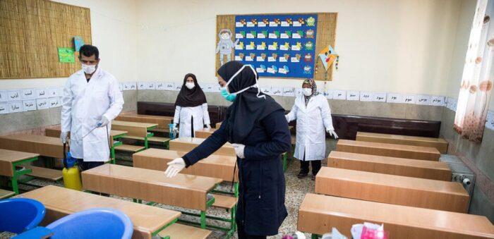 کرونا در مدارس 700x339 - هیچ شهرستان سفیدی نداریم/ 60 درصد دانش آموزان از ماسک استفاده نمی کنند