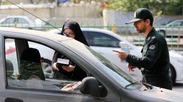 کشف حجاب پلیس ارشاد 700x393 - فقط 2 درصد از پیامک های کشف حجاب در خودرو خطا است