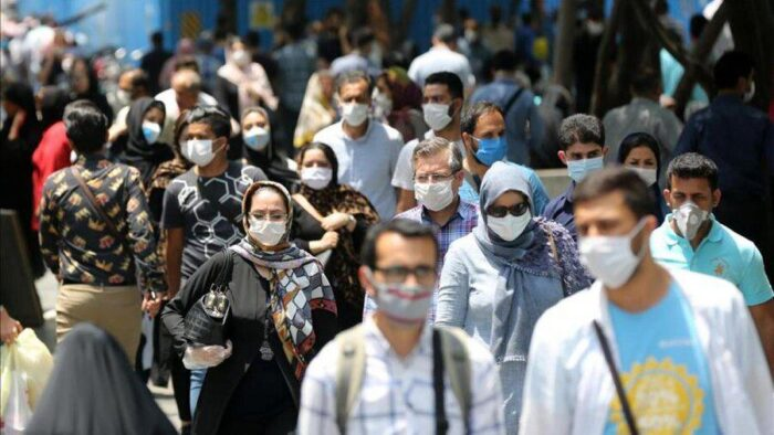 کرونا جمعیت ماسک مردم 700x394 - «5 راهکار حیاتی» که دولت و مجلس باید اجرایی کنند