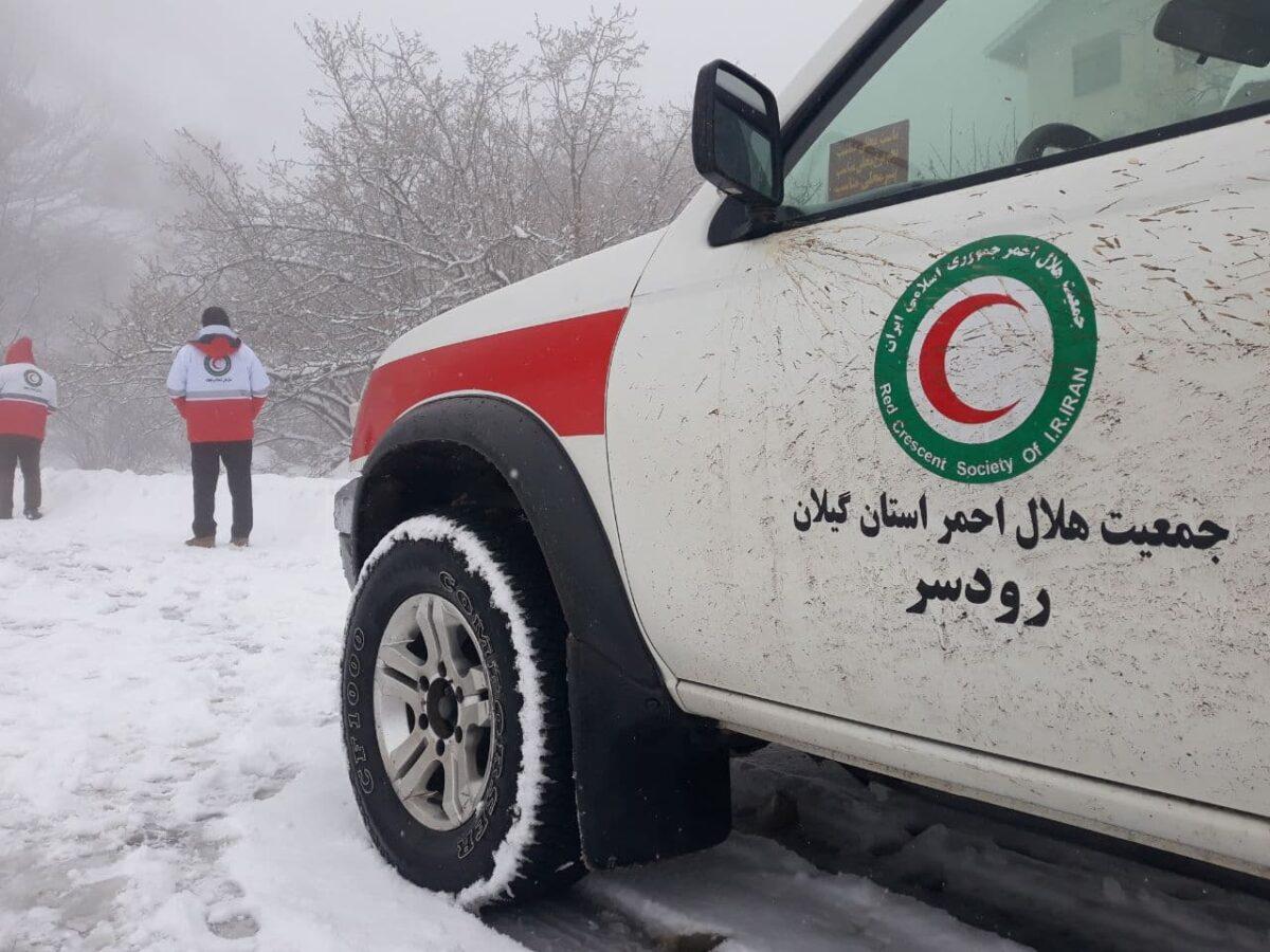 تصاویری از بارش برف در روستای لشکان 11 scaled - تصاویری از بارش برف در روستای لشکان