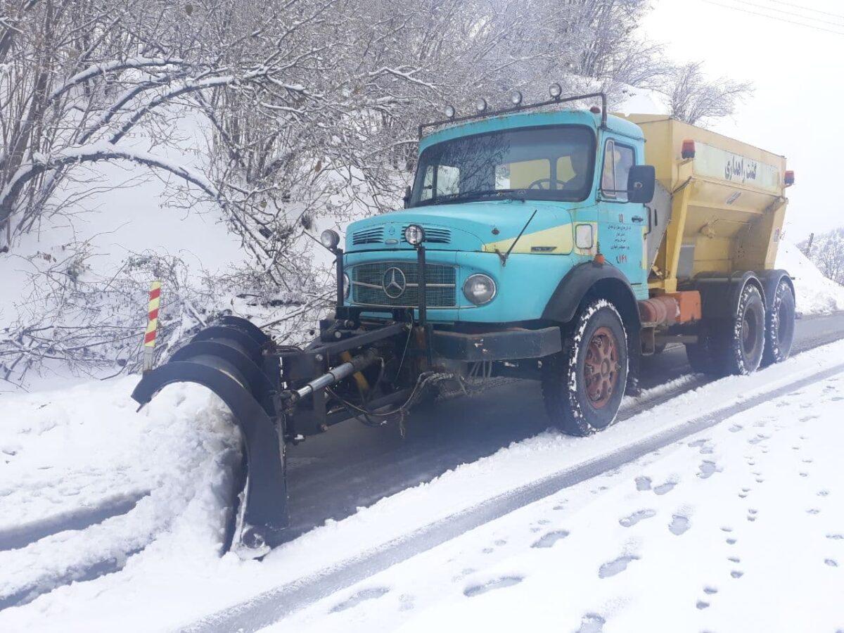 تصاویری از بارش برف در روستای لشکان 5 scaled - تصاویری از بارش برف در روستای لشکان
