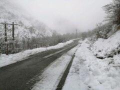 بارش برف ۸۰ روستای این شهرستان را سفید پوش کرد