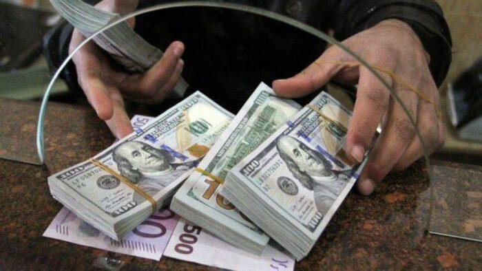 ثروت پول دلار 700x394 - قیمت دلار به زیر ۲۰هزار تومان می رسد؟