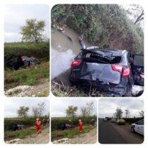 سقوط خودروی سواری در کانال آب جاده جیرده