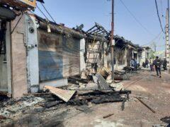 آتش سوزی ۱۰ باب مغازه در رودبنه لاهیجان