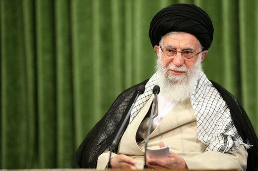 رهبر معظم انقلاب - برخی از مسئولان حرف هایی زدند که مایه تاسف است/ سیاست خارجی در وزارت خارجه تعیین نمی شود