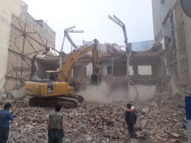 2 10 667x500 - تخریب ساختمان