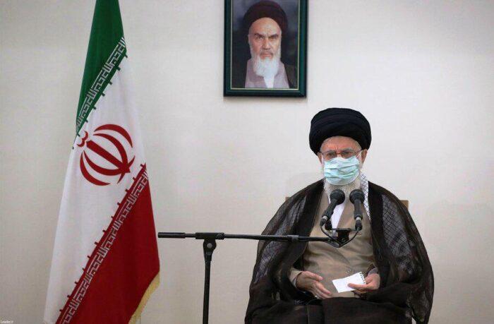 رهبر انقلاب 700x459 - مردم خوزستان ناراحتی خود را بروز دادند؛ هیچ گله ای از آنها نمی توان داشت/ توصیه درباره واکسن کرونا