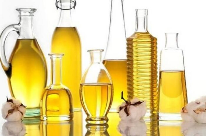The nature of olive oil 02 700x461 - چه چیزهایی باید در کنار زیتون مصرف شود که طبع آن را متعادل کند؟