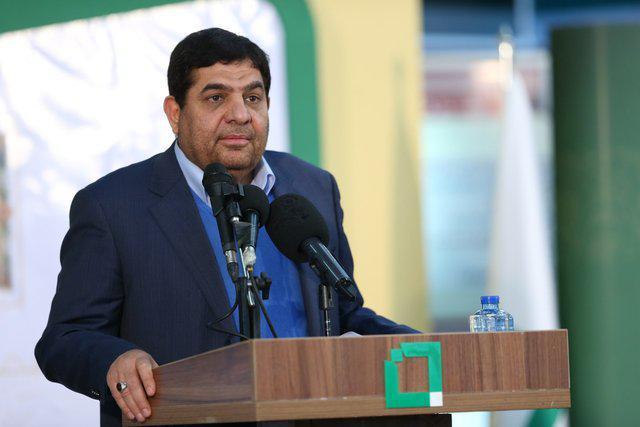 محمد مخبر - اولویت اول کشور تسریع در روند واکسیناسیون مردم است