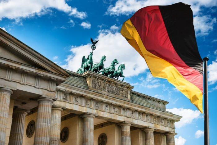1 4 700x467 - جاب آفر آلمان چگونه است؟
