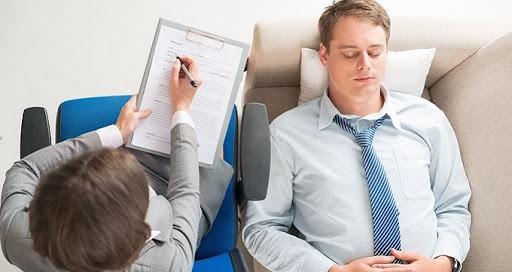 33 - بهترین زمان مراجعه به یک دکتر روانپزشک چه زمانی است؟