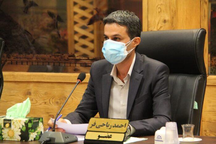 احمد ریاحی عضو شورای شهر لاهیجان 700x466 - نارضایتی تعداد زیادی از پرسنل شهرداری به جهت ناهمگونی حقوق و مزایای دریافتی