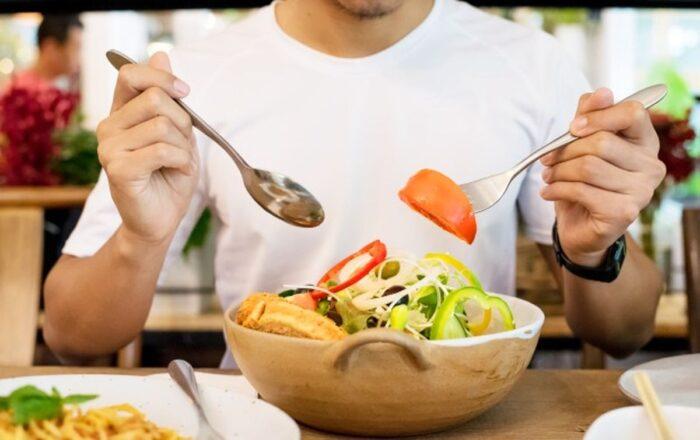 تغذیهسالم 700x440 - باورهای غلطی که در مورد تغذیه سالم بین مردم رواج پیدا کرده است