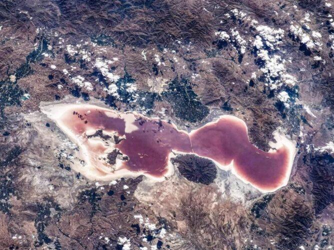 دریاچه ارومیه 668x500 - تصویر جدید و دردناک ایستگاه فضایی چین از دریاچه ارومیه