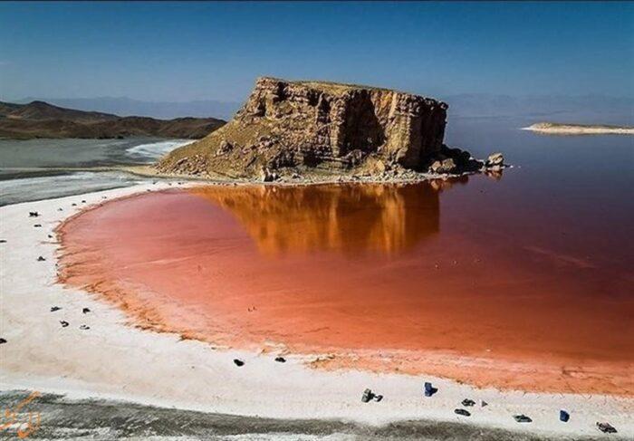 دریاچه ارومیه 700x487 - تصویر جدید و دردناک ایستگاه فضایی چین از دریاچه ارومیه
