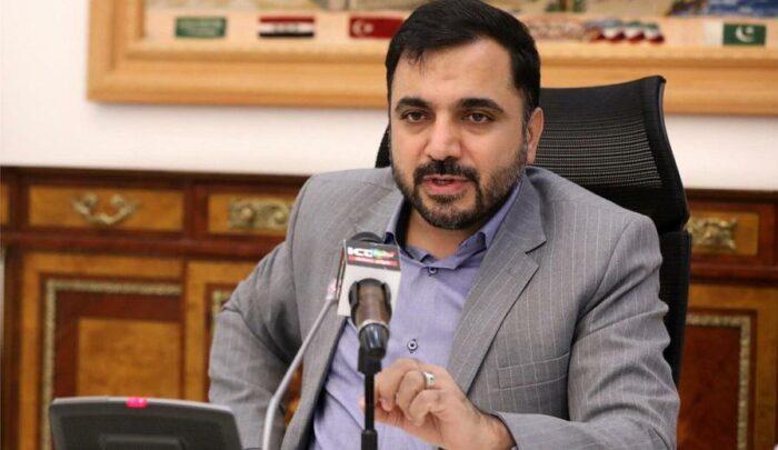 عیسی زارع پور 700x405 - وزیر ارتباطات: گوشی ایرانی توان رقابت با نمونه خارجی را دارد؛ اگر مردم همراهی کنند