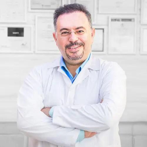 دکتر افشین طاهری اعظم 2 - ّمعرفی بهترین جراح ارتوپد ایران، دکتر افشین طاهری اعظم
