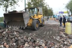 سنگ فرش میدان ابریشم لاهیجان با مجوز کمیسیون ایمنی راههای استان جمعآوری میشود