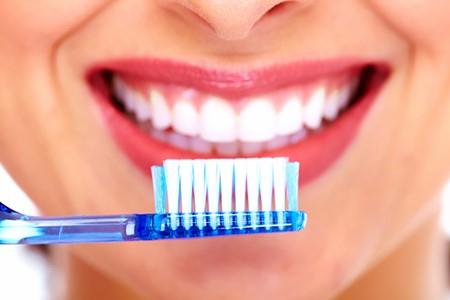 مسواک دندان - با این روش ها از پوسیدگی دندان جلوگیری کنید
